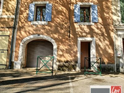 Immeuble de rapport 160m², 3 logements à vendre à Bédarrides