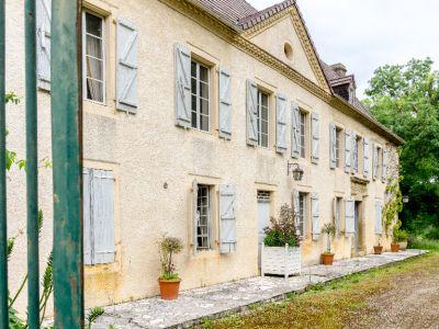 Château proche MORLAAS