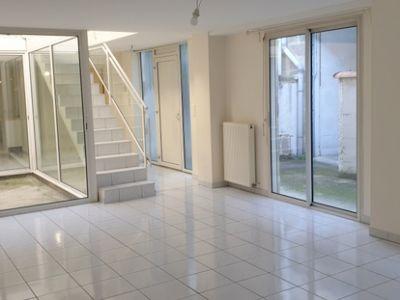 Maison de ville T4 avec patio + cour + cave St seurin à Bordeaux