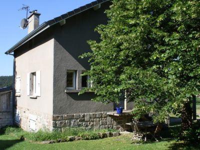 Charmante petite maison en pierre de 1950