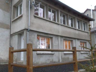 Maison de bourg rénovée 280m2 hab meublée proche du lac d'I