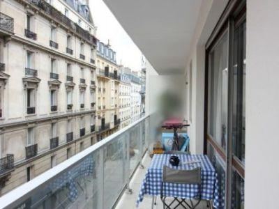 Grand appartement avec balcon 2 pièces en vente à Paris 11