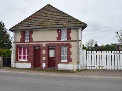 Maison d'habitation individuelle, proche de la gare de LISON