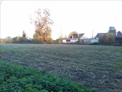 TERRAIN CONSTRUCTIBLE NAY - 1240 m2