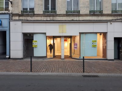SAINT-OMER - LOCAL COMMERCIAL EMPLACEMENT DE PREMIER ORDRE