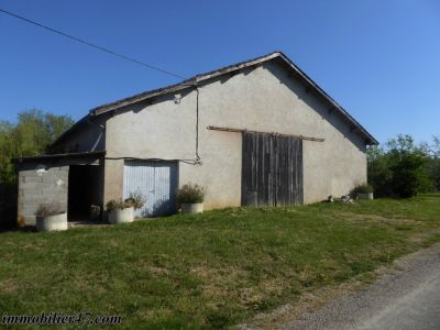 LOCAL DE STOCKAGE SAINT SARDOS - 240 m²