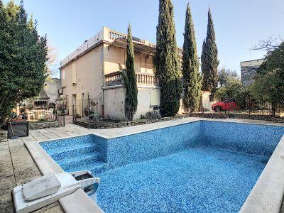 VENTE - Maison 240 m² - 6 pièces- CARPENTRAS - 2 Terrasses - Pis