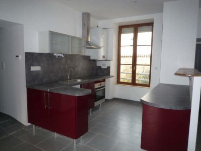 St Maixent L Ecole - 5 pièce(s) - 102 m2 - 1er étage