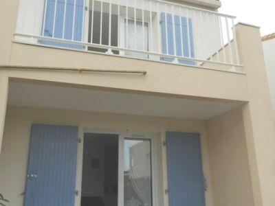 Maison+terrasse+jardinet+parking petite résidence piscine collec
