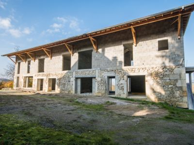 Bâtiment hors d'eau de 7 logements à terminer - Saint-Béron