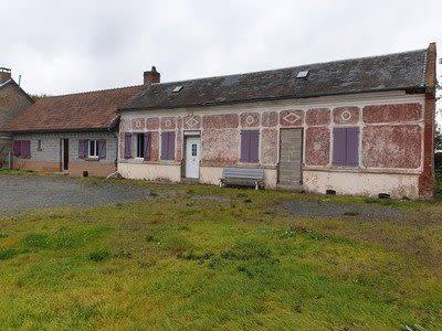 Maison située proche de Hornoy le Bourg