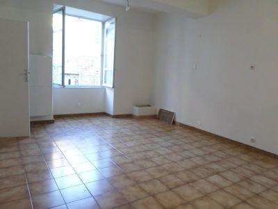 MAISON LUSSAC LES CHATEAUX - 3 pièce(s) - 85 m2
