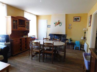 Fougeres - 4 pièce(s) - 102.68 m2 - 1er étage