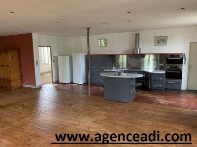 St Maixent L Ecole - 4 pièce(s) - 163 m2 - 1er étage