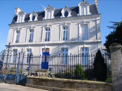 MAISON DE MAITRE PARTHENAY - 20 pièce(s) - 530 m2
