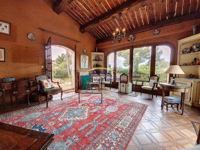 Maison Saint Cyr Sur Mer 11 pièce(s) sur 3 000 m² de terrain
