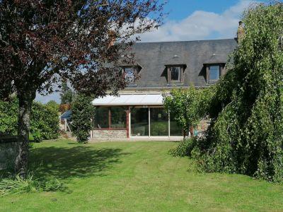 Maison sur 2 800 m2 de terrain à 10 mn de Villers Bocage