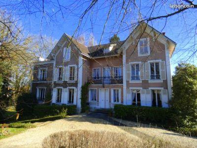 Maison Luzarches 12 pièce(s) 380 m2