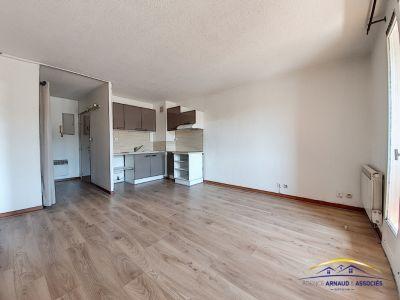 Appartement 3 pièces a 50 mètres de la mer à SAINT CYR SUR MER