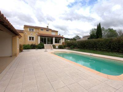 SIMIANE - Villa 160 m² - calme avec piscine