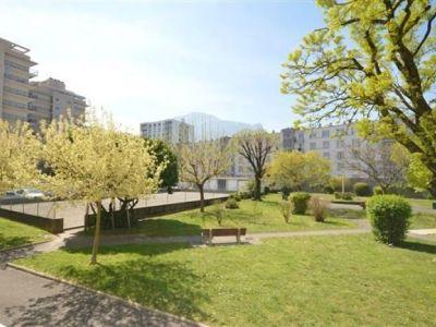 Grenoble - 3 pièce(s) - 72 m2 - Rez de chaussée