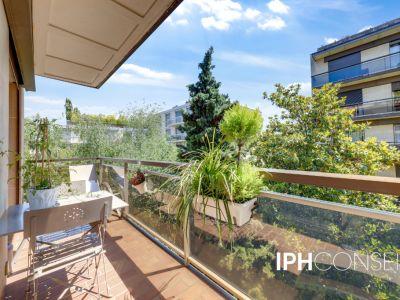 Appartement Neuilly Sur Seine 3 pièce(s) 72 m2