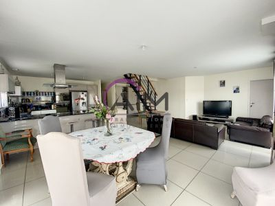MAISON  T6  RECENTE MONTLOUIS SUR LOIRE 148 m²