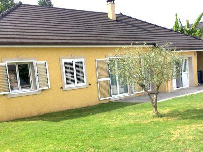 Maison Nay  110 m2  de plain-pied avec vue Pyrénées