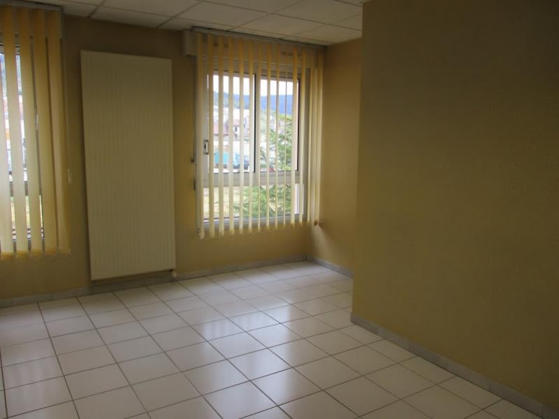 Sale apartment Oyonnax 148000€ - Picture 4