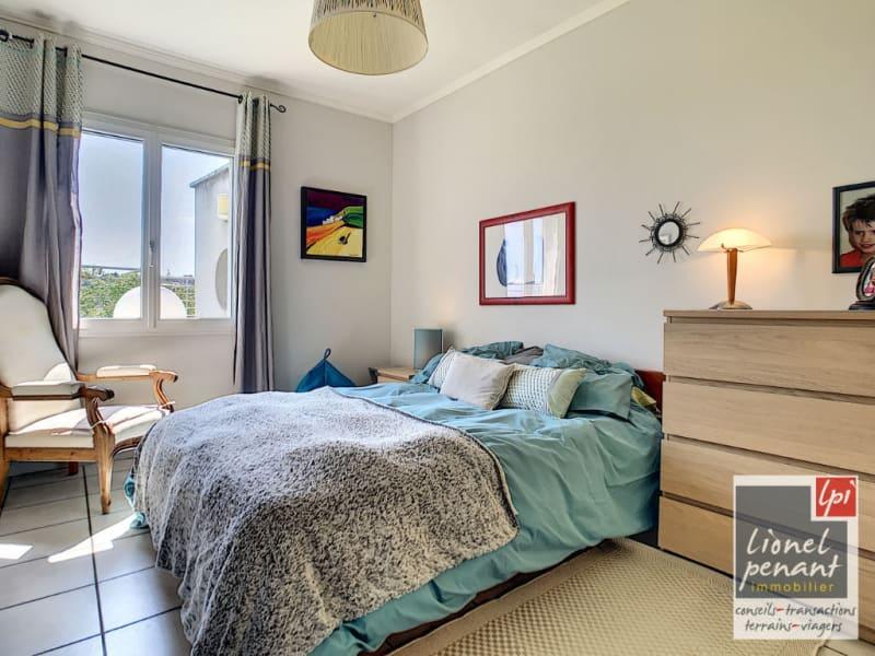 Sale house / villa Villeneuve les avignon 840000€ - Picture 18