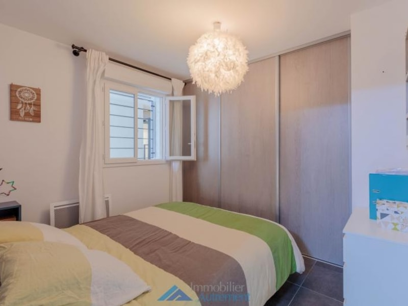 Sale apartment Meyreuil 243 000€ - Picture 9