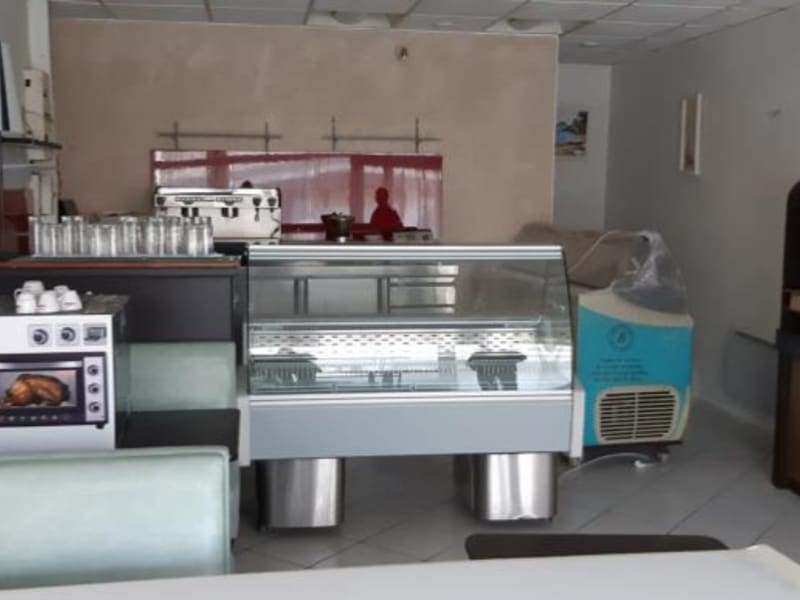 Location local commercial Acheres 971€ HC - Photo 2