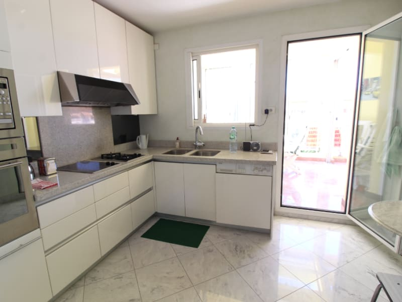 Vente appartement Hyeres 588 000€ - Photo 6