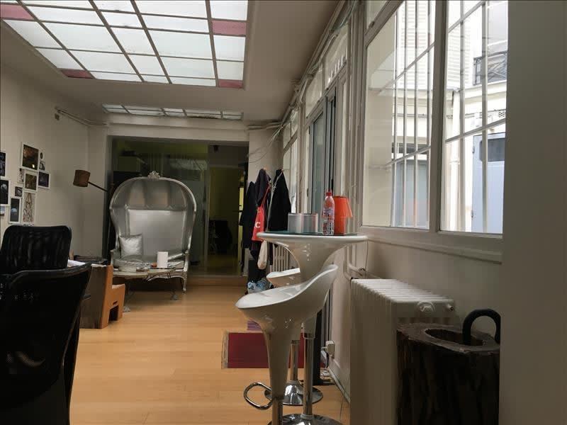 Rental empty room/storage Paris 9ème 4083,33€ HC - Picture 2