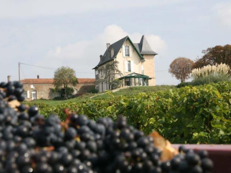 Sale house / villa Plassac 640000€ - Picture 1