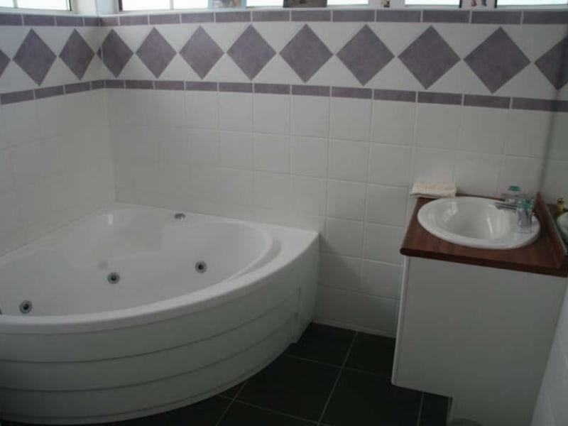 Sale house / villa Plassac 640000€ - Picture 7