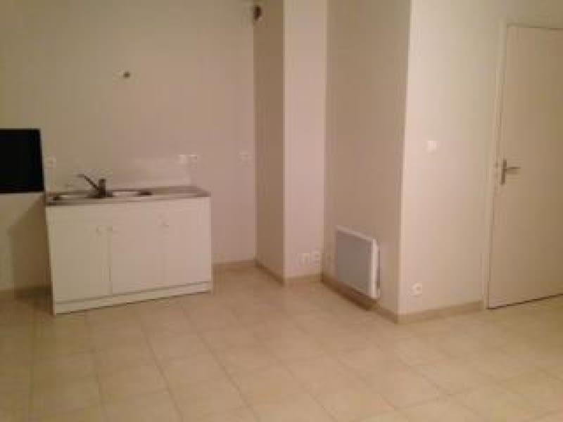 Location appartement Lannilis 380€ CC - Photo 3