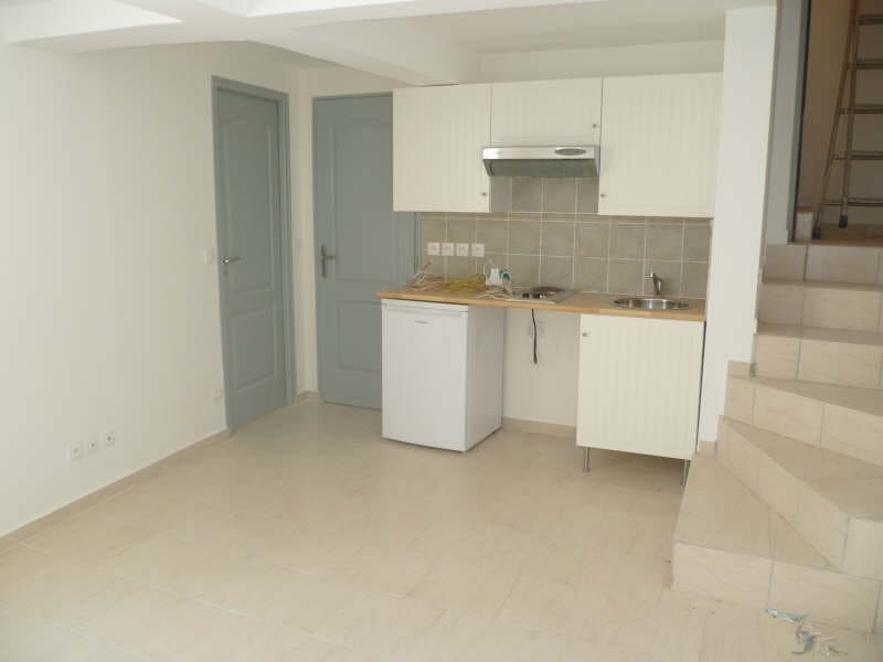 Rental apartment St maximin la ste baume 470€ CC - Picture 1
