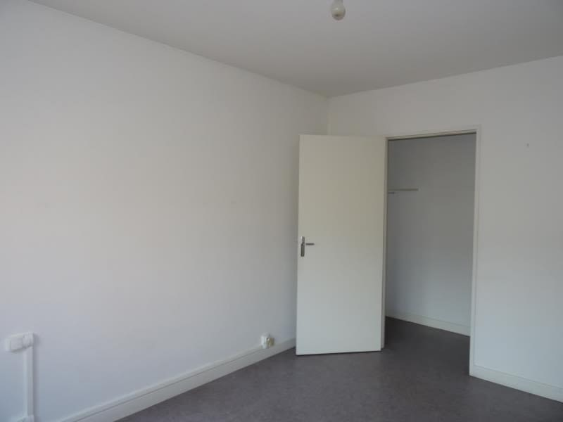 Rental apartment Le coteau 667€ CC - Picture 4