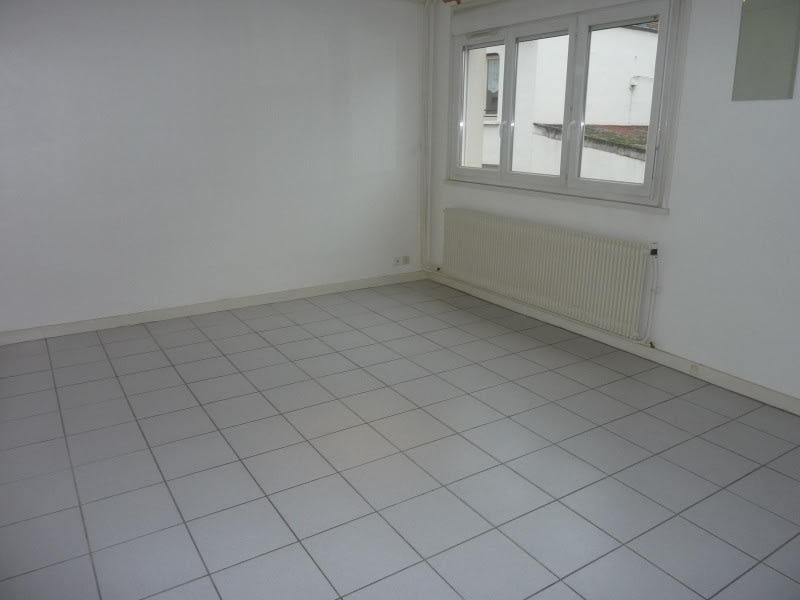 Rental apartment Le coteau 460€ CC - Picture 1