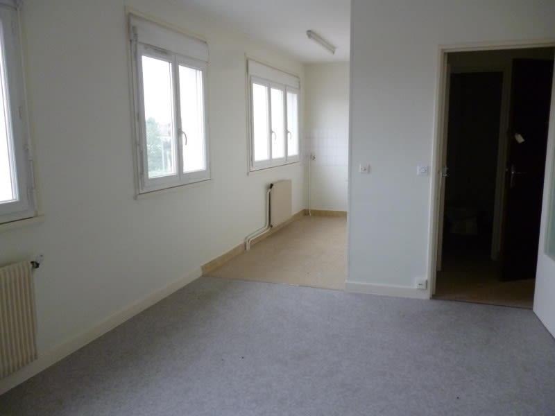 Rental apartment Le coteau 317€ CC - Picture 1