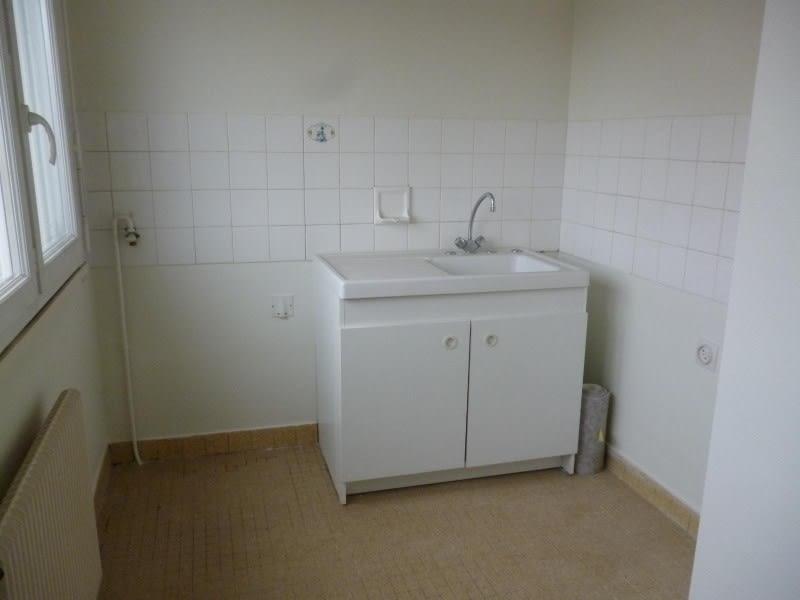 Rental apartment Le coteau 317€ CC - Picture 2