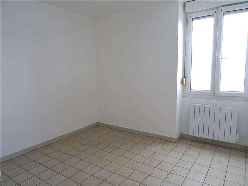 Rental apartment Roanne 330€ CC - Picture 1