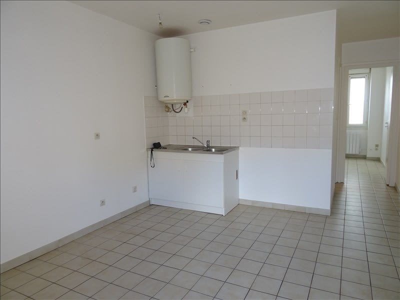 Rental apartment Roanne 330€ CC - Picture 2