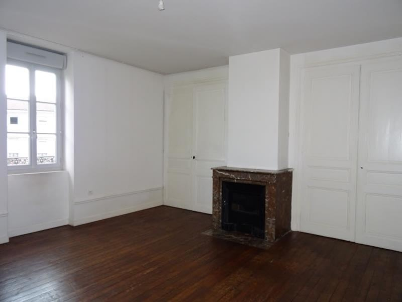Location appartement Roanne 590€ CC - Photo 3