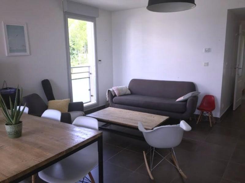 Rental apartment Limonest 1340€ CC - Picture 3