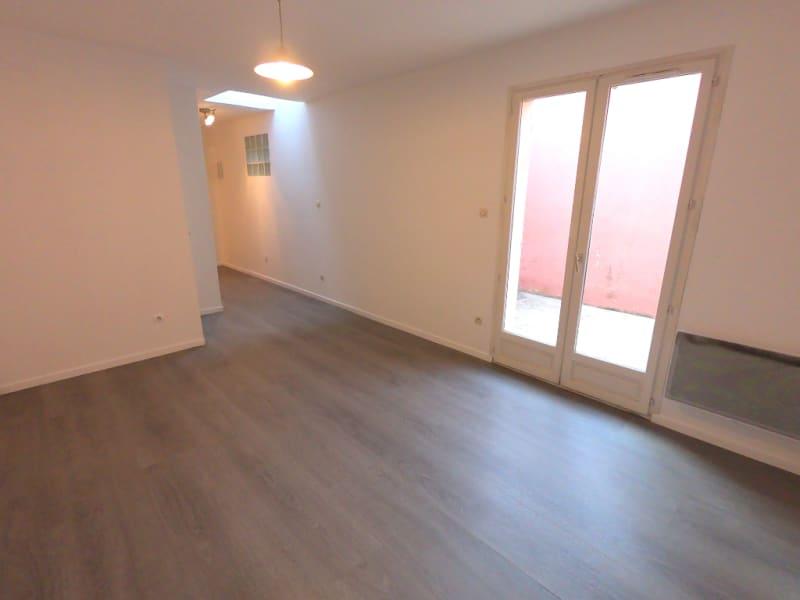 Rental apartment Les milles 592€ CC - Picture 3