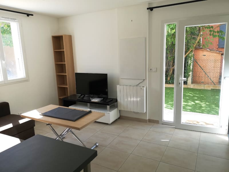 Rental apartment Aix en provence 825€ CC - Picture 2