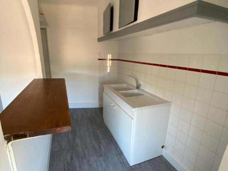 Rental apartment Les milles 703€ CC - Picture 2