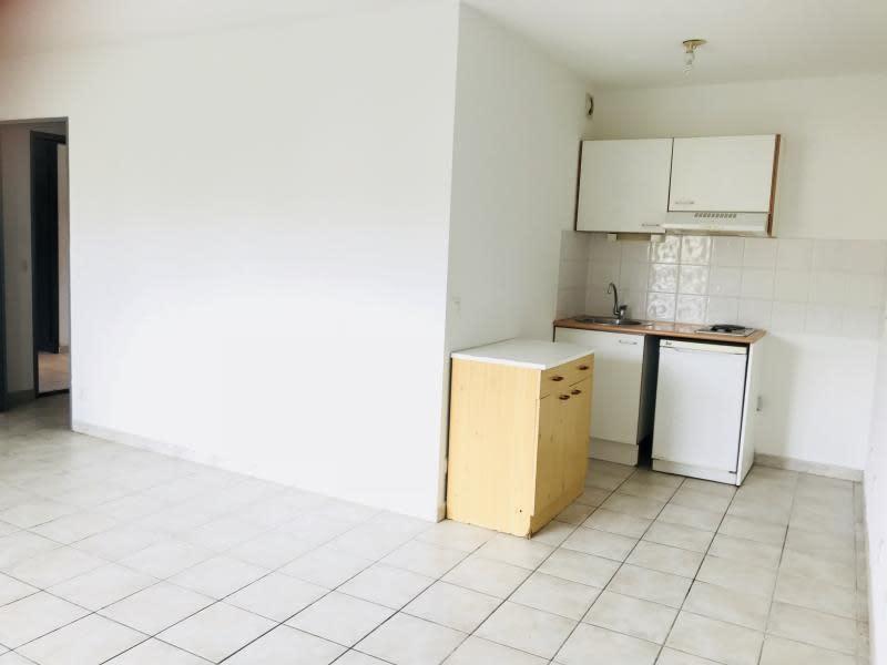 Location appartement Carcassonne 357,97€ CC - Photo 3